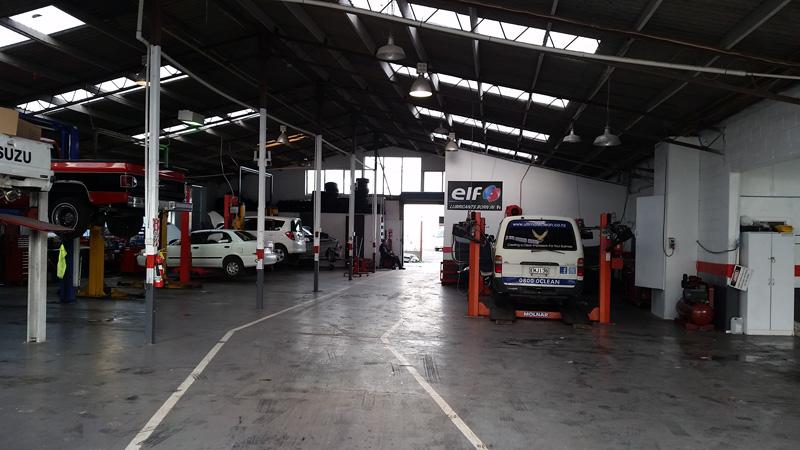 auto-repair-mechanical-workshop-inside-2